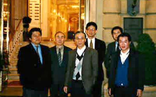 DDIの公募増資後、機関投資家向け説明会に回った(左端が筆者。前列右端が現在の中田社長)