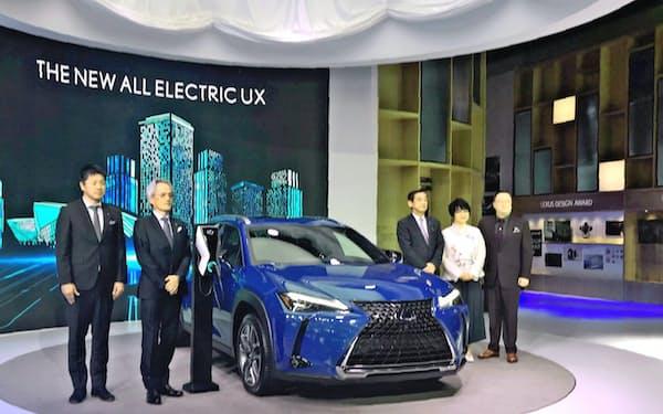 トヨタ自動車は高級車ブランド「レクサス」のEVを投入する(19年11月の中国・広州モーターショー)