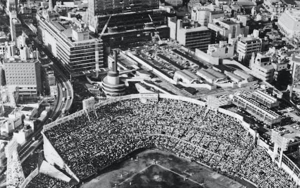 大阪球場での南海ホークス最後の試合は大入りに(1988年10月)