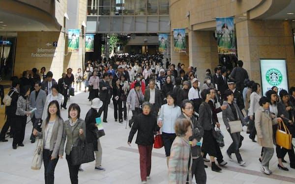 2期エリアも含めて全面開業した「なんばパークス」(2007年4月、大阪・難波)