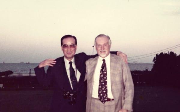 財テク投資で一時は製紙部門を上回る利益を上げていた元セッツ社長の増田芳久氏(左)
