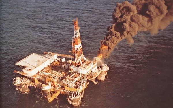 1972年、新潟・阿賀沖の海底2000メートルで石油・天然ガスを確認した
