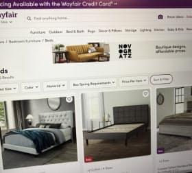 カタログを見るように部屋の雰囲気から家具を選べる