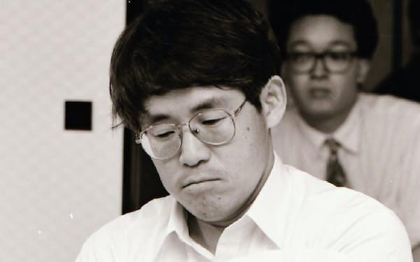 3年連続で趙本因坊に敗れ、ぶぜんとした表情(1992年7月)