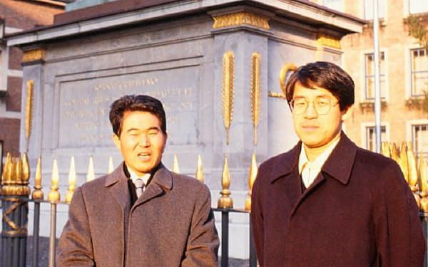 ドイツ・デュッセルドルフで挑戦者の大竹先生(左)と(1990年棋聖戦第1局)