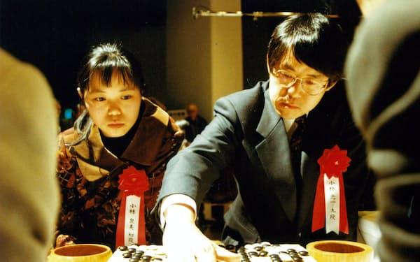 1995年の第2回プロ・ペア碁選手権では泉美とペアを組み優勝