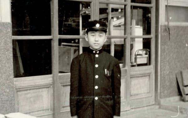 入学の日の朝、立教中学の制服で