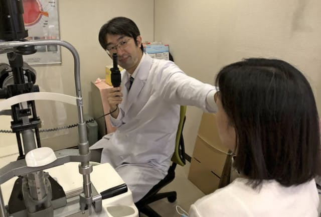 眼底検査などで飛蚊症の原因を調べる(東京都江戸川区)