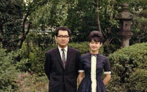 妻・貴子の実家の庭で