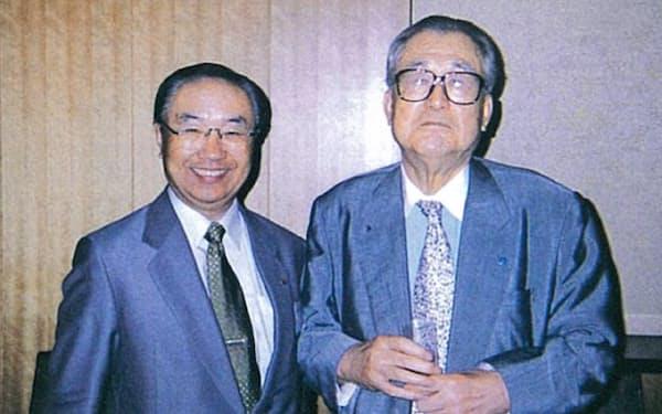 タナベ経営の田辺昇一氏は最大の恩師(1994年、左が土屋氏)