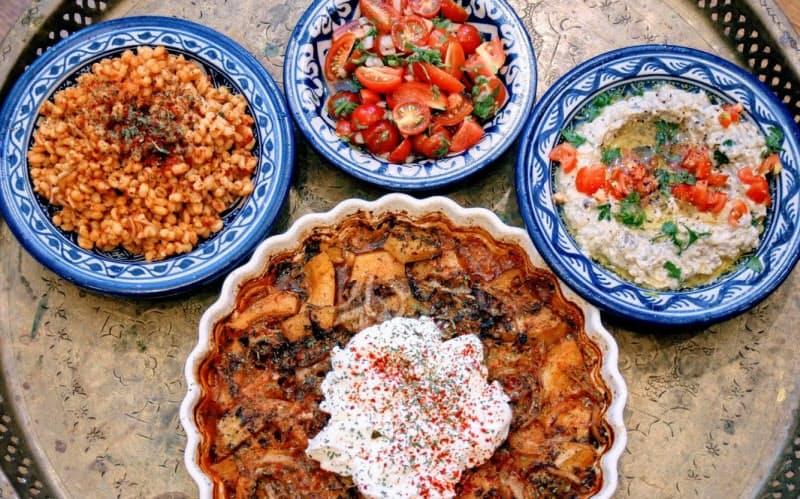 中東料理は様々な食材をふんだんに使い、色鮮やかだ