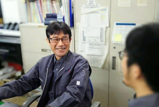 田中博さんは1時間単位の有休取得などの制度を使って仕事と治療を両立する
