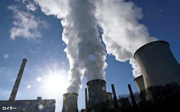 石炭火力発電や化石燃料に関連する企業を避ける動きが投資の世界で広がっている=ロイター