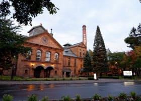 「サッポロビール博物館」は北海道遺産にも登録されたれんが造りの建物で、四季折々の景色を楽しめる