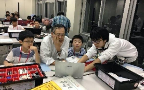 ロボットスクールで未来の人材を育む