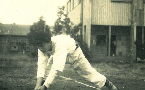 中学校では戦後すぐに野球部に所属した
