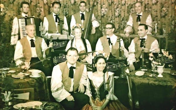 オランダで音楽アンサンブルに参加した(後列左から2人目が著者)