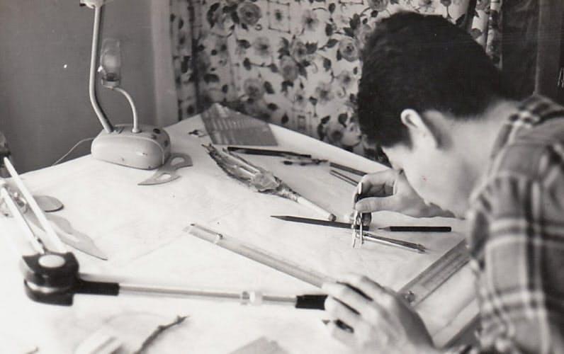 新会社「エンジニアリングシステム」を設立し、新製品設計に取り組む柳澤氏
