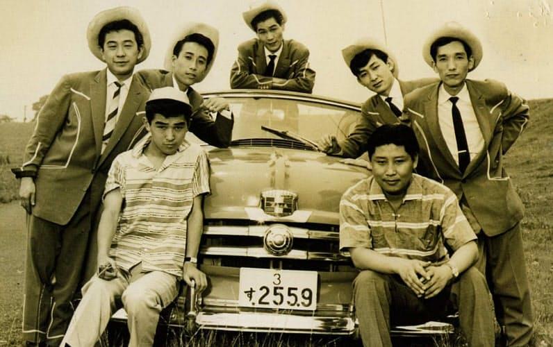 ワゴン・マスターズの仲間と(左後方が筆者)