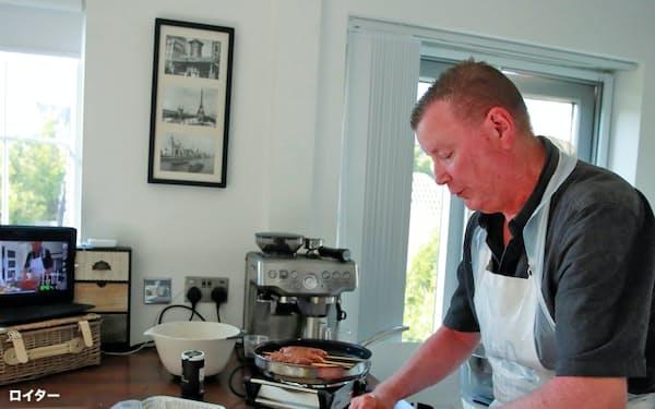 シェフによるレッスンなどもおうちご飯を充実させる要素に=ロイター