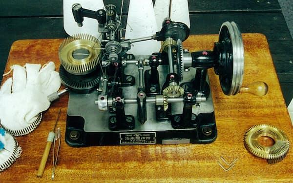 16歳で発明・開発した二重環かがりミシン