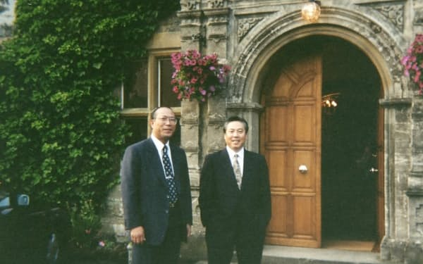 大阪支社で一緒だった田中さん(左)と