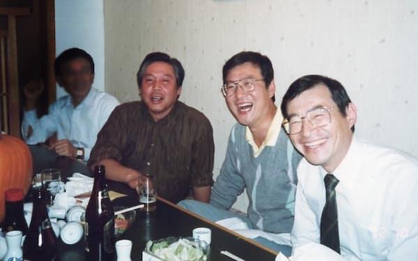 縦型炉の開発に挑戦した仲間と(左から2人目が筆者)