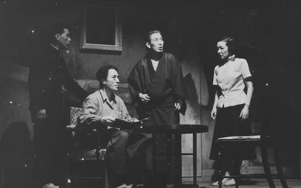 初めて見た演劇「冒した者」=劇団民藝提供