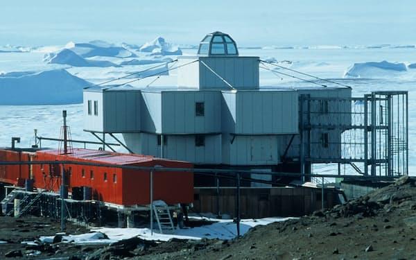 ミサワホームは管理棟など南極・昭和基地の多くの建物に部材を供給している(国立極地研究所提供)