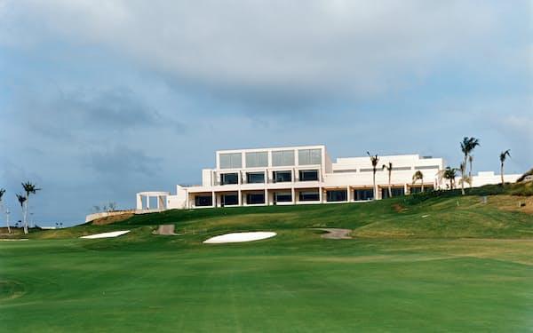 日本エタニットパイプを買収してリゾート事業に参入した(グアム島で開発したゴルフ場)