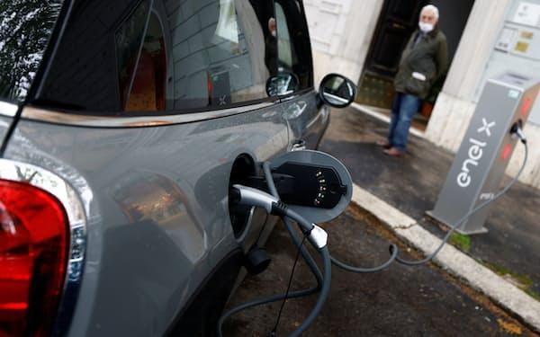 EVに乗り換えることでCO2の排出削減に貢献(ローマ)=ロイター