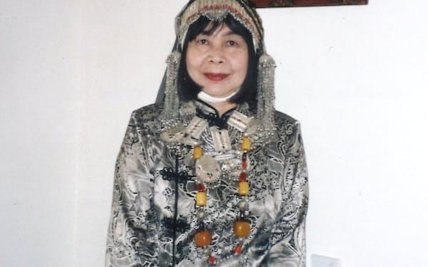 イエメンでは花嫁の頭飾りを着けさせてもらった(2000年8月)