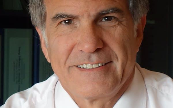 Scott Foster 国際エネルギー機関(IEA)などを経て2011年から現職。エンジニアで経営学修士(MBA)も持ちエネルギー、気候問題に精通する。