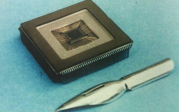 発想の大転換で生まれた開発初期の人工網膜チップ(三菱電機提供)
