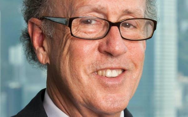 Stephen Roach ニューヨーク大博士(経済学)。モルガン・スタンレー・アジア会長などを経て現職。研究対象は中国経済など。