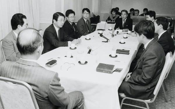 副社長時代には若手と「トップ懇談会」も開いた
