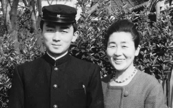1962年、慶応大学法学部に合格