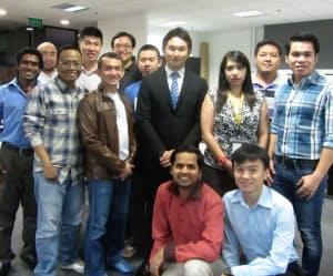 ブイキューブのシンガポール拠点には10カ国から人材が集まる
