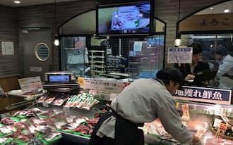 分かりやすさを生かし、今後は店内でも商品紹介番組を放映する(千葉市内の店舗)