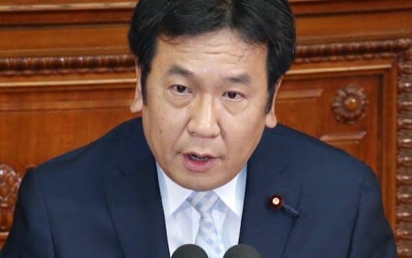 衆院本会議で質問する民主党の枝野幹事長(26日)