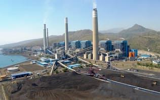 パイトン石炭火力発電所には日米の輸銀や市中銀行40行が融資した(インドネシア・ジャワ島東部)