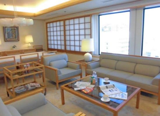 京王プラザホテルはスイートルームを「受験生サロン」として開放する