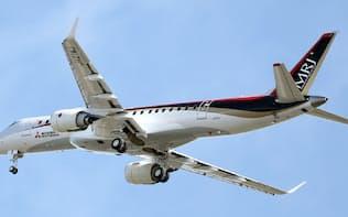 初飛行するMRJ(昨年11月)