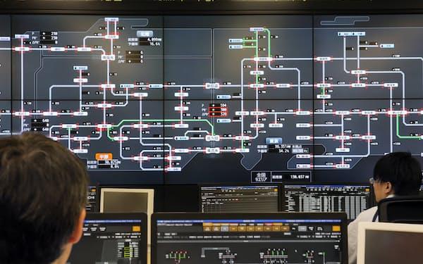 24時間体制で全国の電力網を監視できる電力広域的運営推進機関の広域運用センター(東京都江東区)