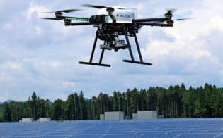 ドローンで上空から太陽光パネルを撮影し、異常を見つける