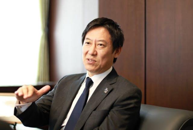 インタビューに答える鈴木大地スポーツ庁長官