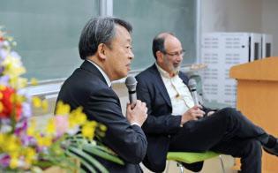 対談する池上彰東工大特命教授(左)とアルビン・ロス米スタンフォード大学教授(東工大大岡山キャンパス、4月5日)
