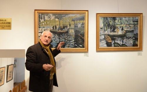 複製画を説明するラ・グルヌイエール美術館創設者のジャン=ルイ・エメさん