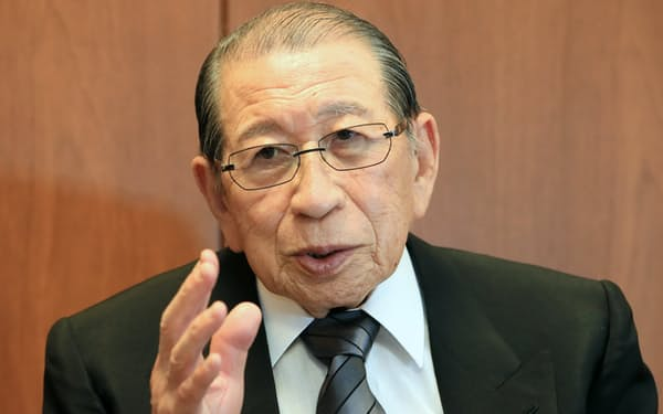綿貫民輔元衆院議長は2000年当時、神道政治連盟国会議員懇談会の会長だった