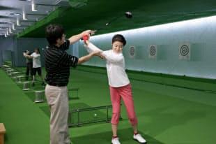 ゴルフ人口拡大へ初心者を指導するスクールが担う役割は大きい=ダンロップスポーツ提供